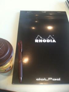 ボールペンとロディア